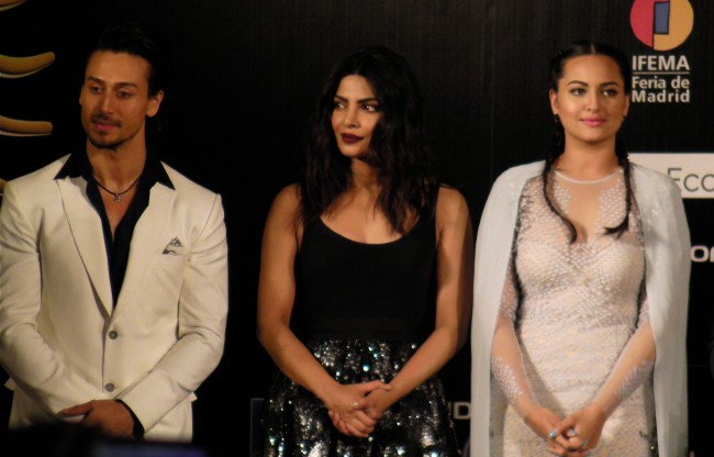 Sonakshi Sinha, Priyanka Chopra, Tiger Shroff at IIFA 2016 Madrid