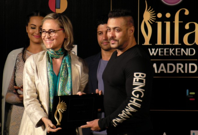 Salman Khan with Madrid mayor IIFA 2016 Madrid Press Conference Journalism News network